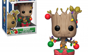 Groot (w/ Lights & Ornaments)